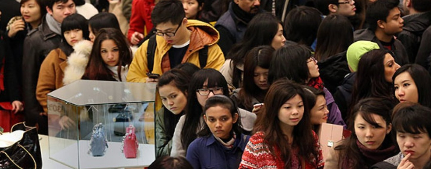 """Dia do Solteiro"" chinês é orgia do consumo que deixa Black Friday no chinelo"