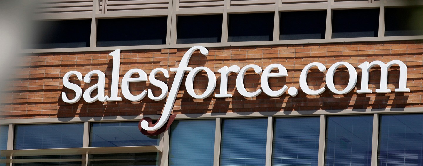 Salesforce tenta impedir compra do LinkedIn pela Microsoft